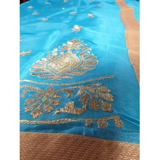 Turquoise-and-Gold1-773x1030.jpg