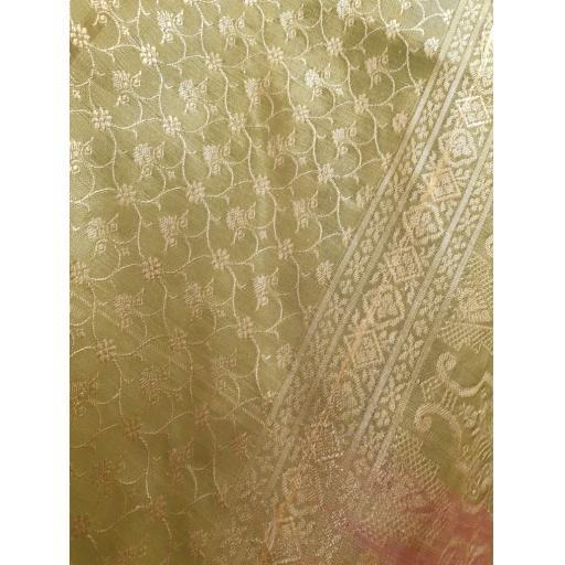 Golden-Shimmer3-773x1030.jpg